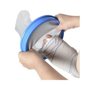 utiliser une housse de protection pour ne pas mouiller le pansement