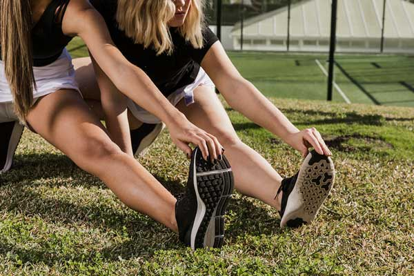 prévention des blessures au tennis : étirements