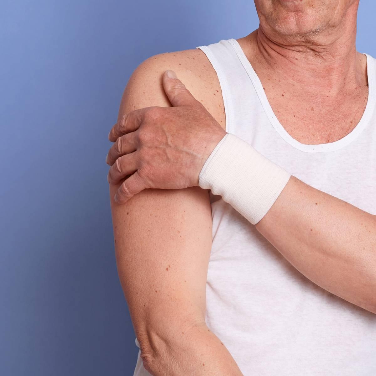 douleurs de l'épaule sénior