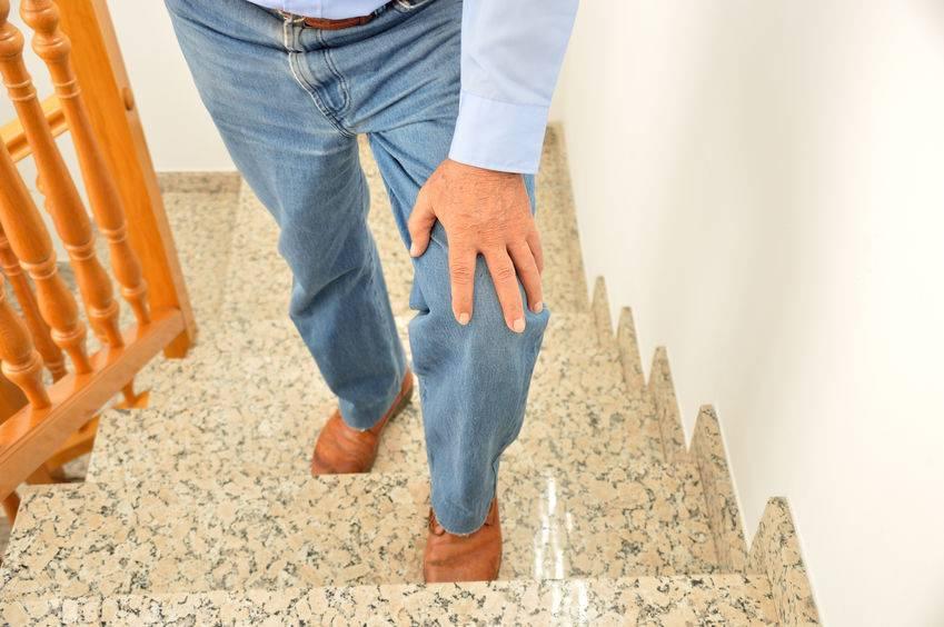 douleurs du genou chez les séniors