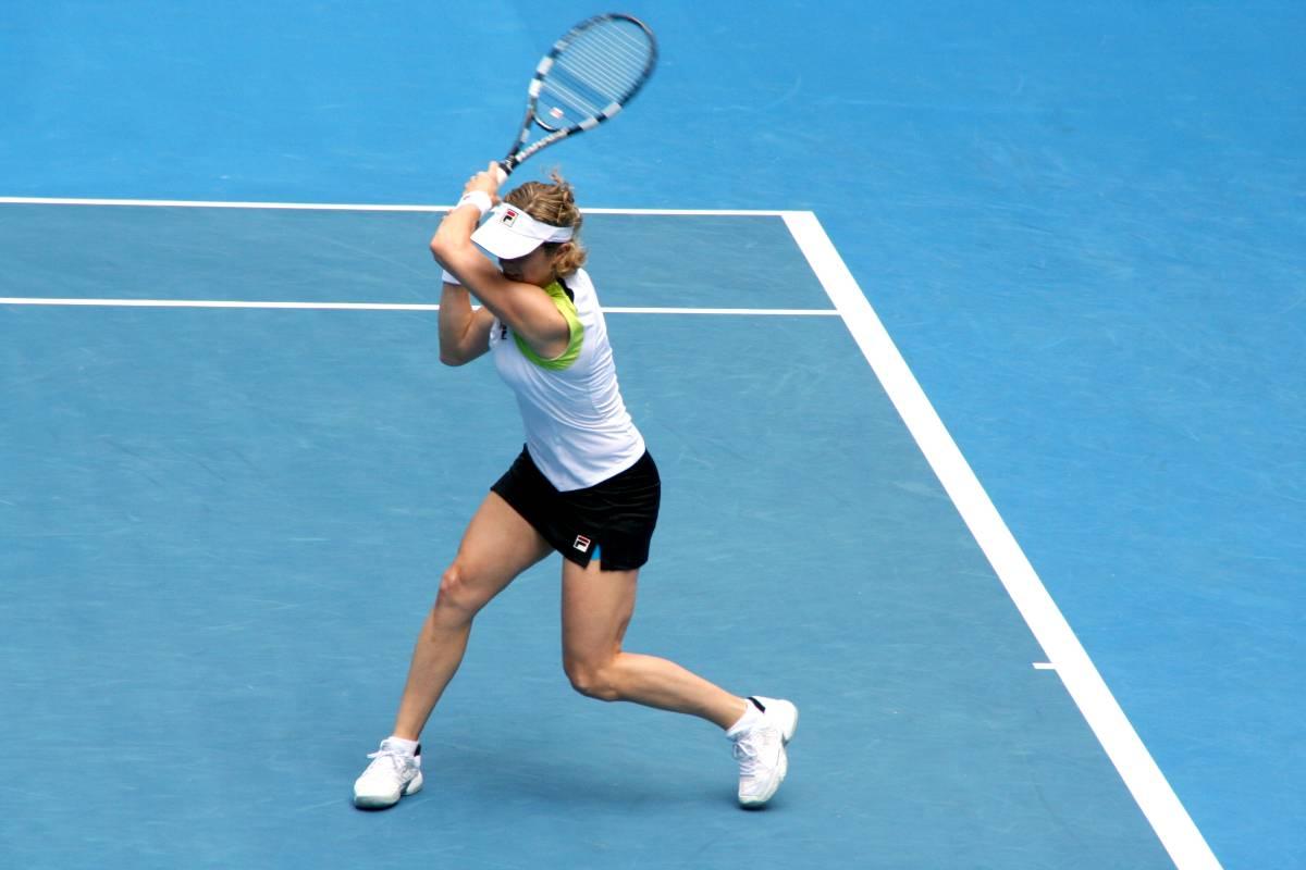 corriger le geste technique du swing et réaliser des modifications posturales