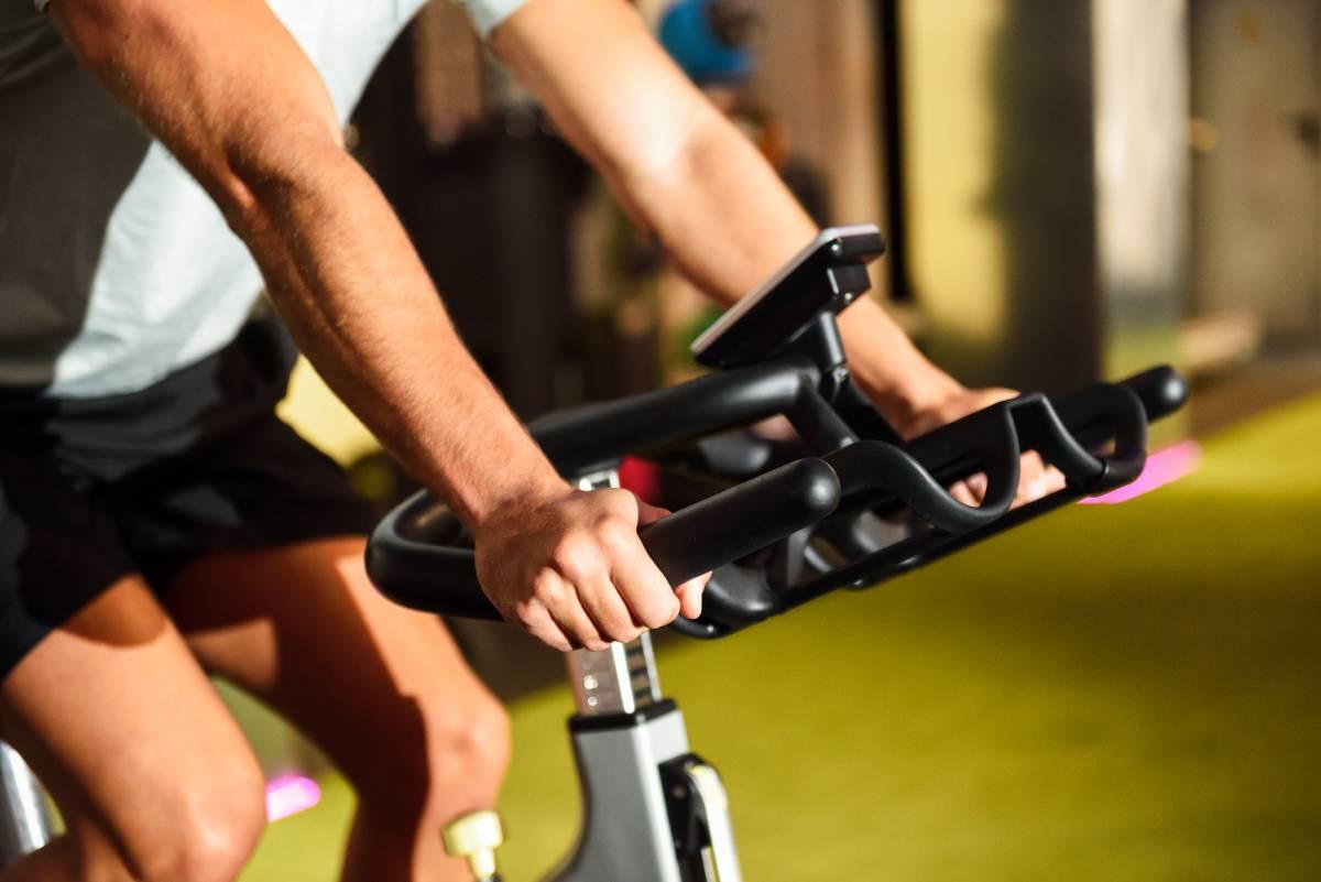salle de sports : vélo